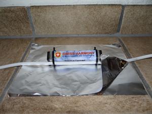 Abbildung 2: Die Aluminiumfolie sollte doppellagig mit der glänzenden Seite innenliegend gefaltet sein.